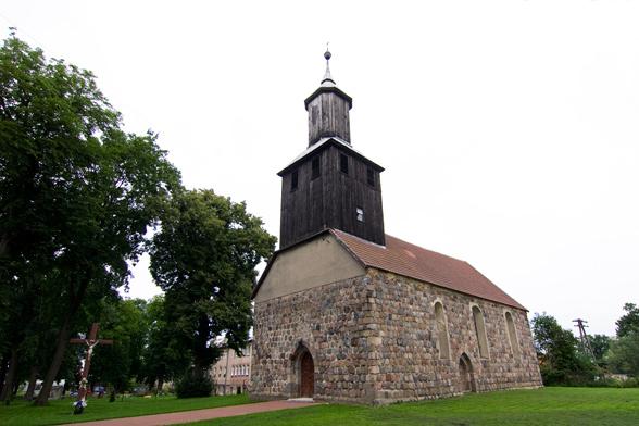 Kościół w Derczewie.