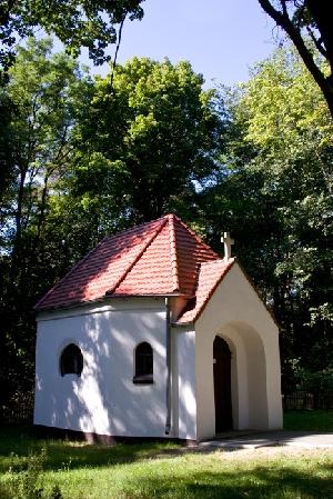 Kaplica z XIX wieku w Ostrowcu.