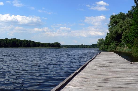 Jezioro Ostrowiec. Pomost.