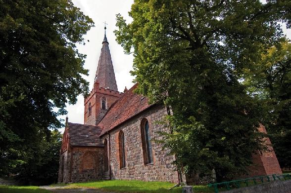 Kościół z XIII wieku.